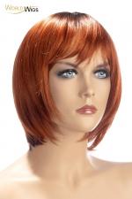 Perruque Alix rousse - World Wigs : Perruque rousse qualité Premium, avec cheveux courts en carré dégradé roux pour un look à la fois naturel et coquin.